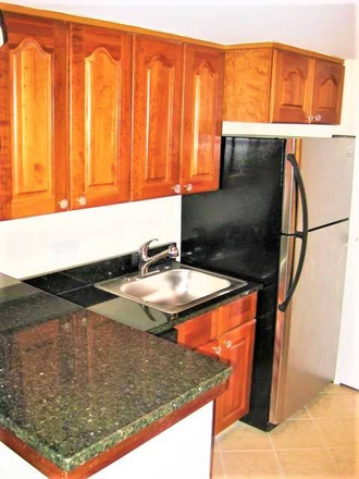 Updated kitchen - Beautiful, Remodeled  Otterbein Rowhome $1750 Townhome