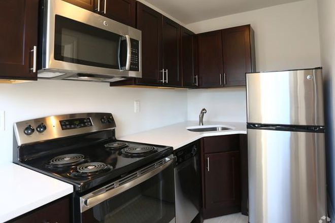 New Kitchen Appliances - Chester Plaza- Renovated Studio and 1 BR Apartments Close to Campuses and Public Transit