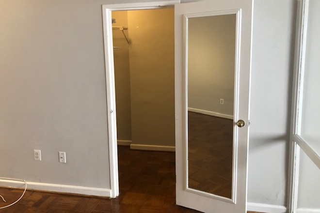 Entrance to Walk-in Closet - Studio Apartment on GWU Campus