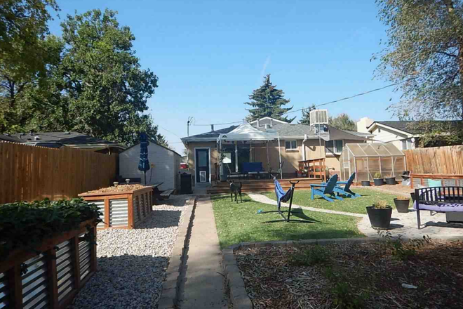 Backyard - Remodeled rental close to Anschutz & Downtown Denver