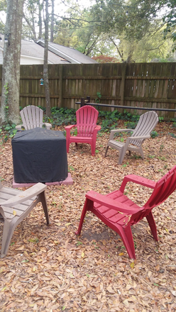 backyard with fire pit - Large furnished bedroom.  5 mins from MUSC. Utilities, WIFI included. Rental