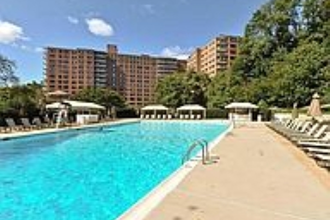 Swimming Pool - PRICE REDUCED.  Renovated 2BD/2BA condo (1,215 sq ft) with UTILITIES INCLUDED