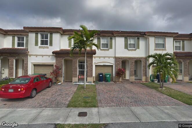 front - ROOM FOR RENT IN TOWNHOME  - FIU-UNIV MIAMI