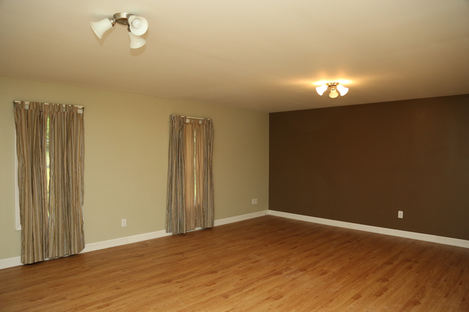 Basement - 3 Bedroom House at Lake Monticello Rental