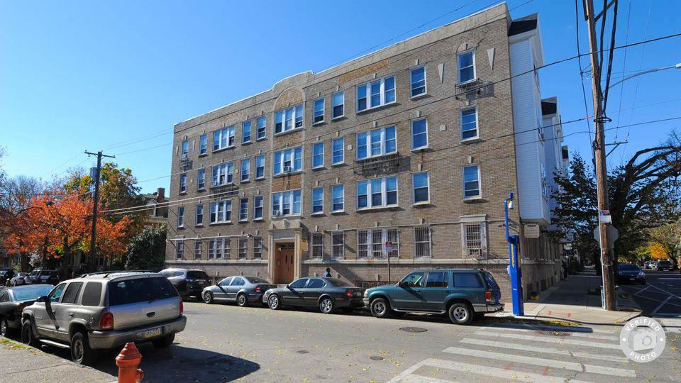 Drexel university off campus housing search camelot apartments 0br 1ba 895 per unit for Spring garden apartments philadelphia