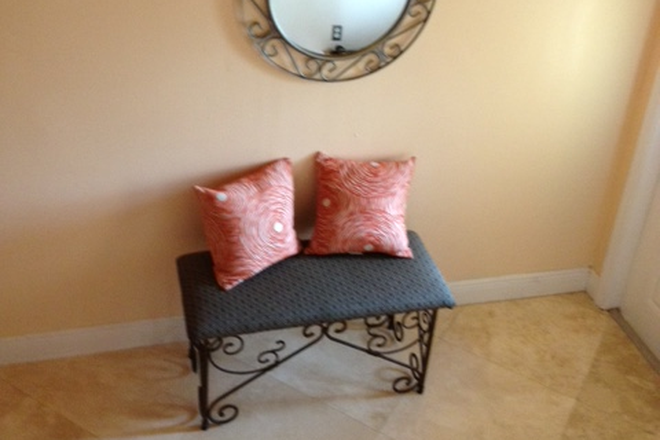 Foyer - LADIES MANOR, PEACEFUL PLACE ,  $600 PER MONTH AND ONLY $200 SECURITY DEPOSIT Rental
