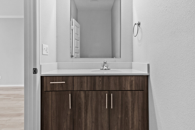 Common Bathroom - Luxury Living at Its Finest! Brand New Duplex in Rupple Meadows Available Early August Rental