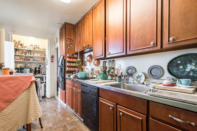 Our kitchens offer ample storage space and include dishwasher, garbage disposal, wall oven, range and more!