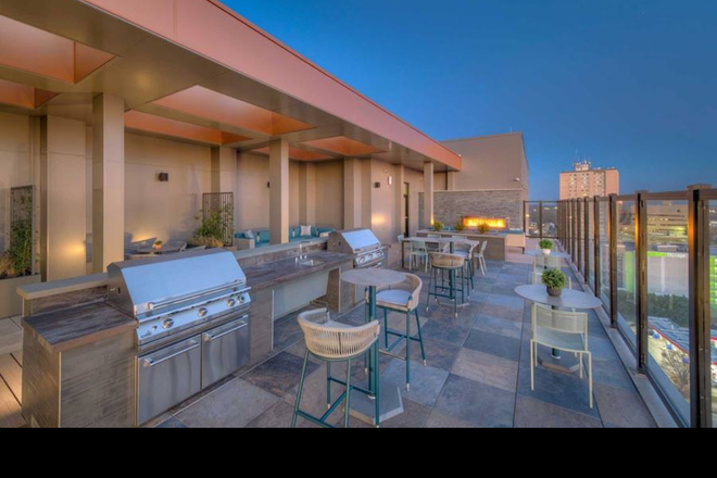 Rooftop - Special Offer: Get up to 2 months free and $350 Cash 1- 3 Bedrooms Available Apartments