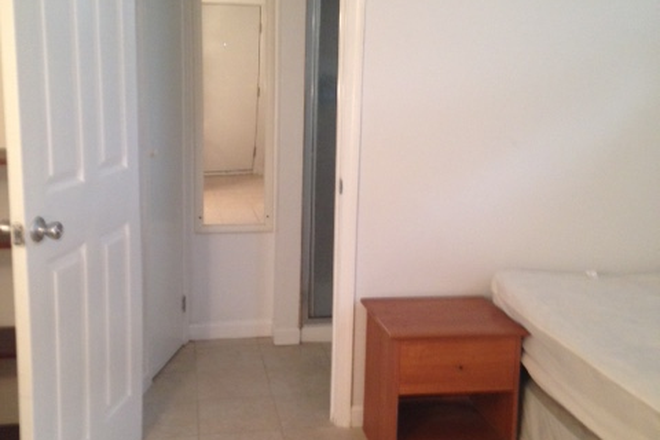 Bedroom - Studio Apartment, 1 Bath, kitchen, All utilities included, Walking Distance to TU and Towson Center.