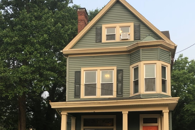 Welcome to 3623 Wabash - Now Renting Luxury Student Housing  for 2021/22 - Completely Remodeled in 2019!!- Quiet Street Rental