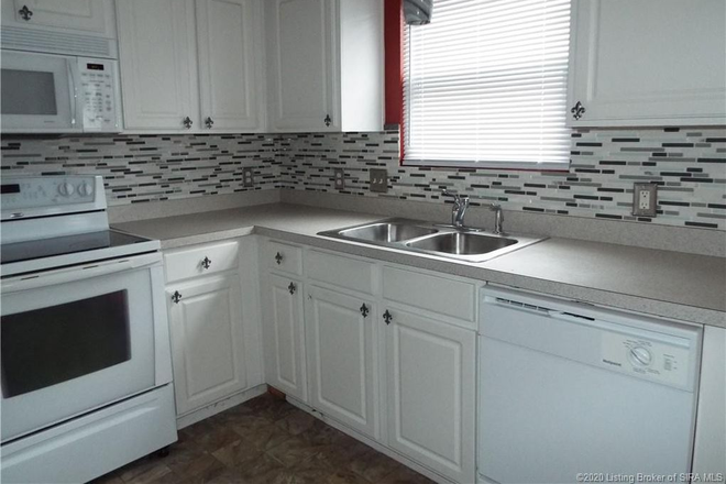 Kitchen - Room for rent in single family home. Full use of common areas Rental