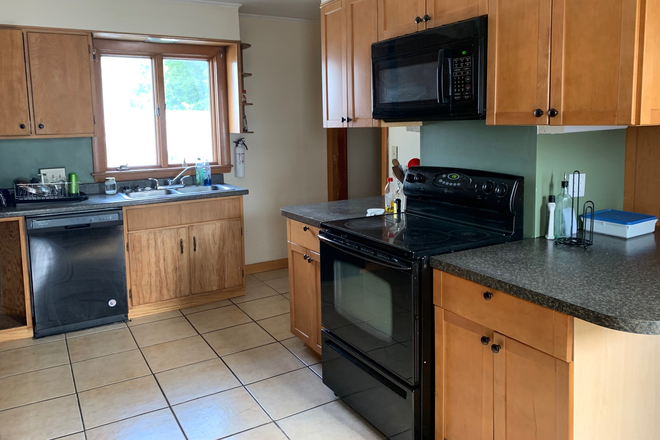 Kitchen Fully Equipped - Share Apartment All Inclusive