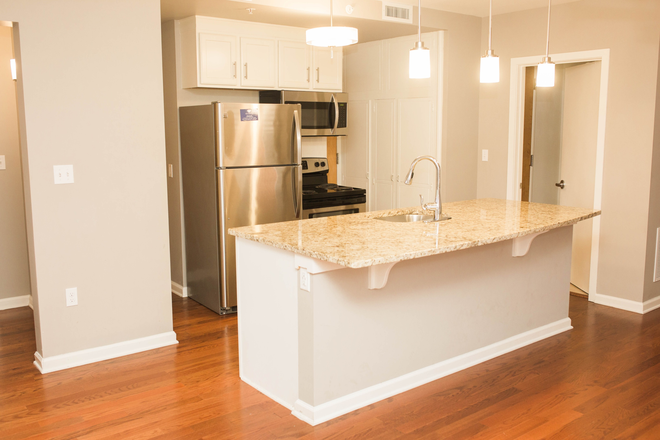 Kitchen - Locust Grove Apartments - Premium Downtown Location with Parking