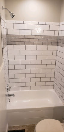 Downstairs bathroom - Newly Renovated 4 bed house Rental